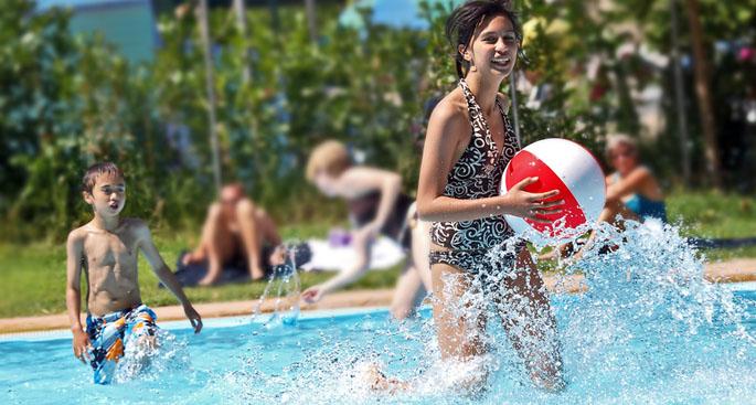 Mantenimiento piscinas comunitarias madrid y valdemoro neoaqua - Piscina de valdemoro ...
